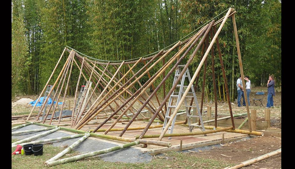 Hannan Build bamboo Sumatran long house